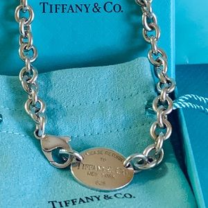 Tiffany & Co. Return To Tiffany Oval Tag Necklace